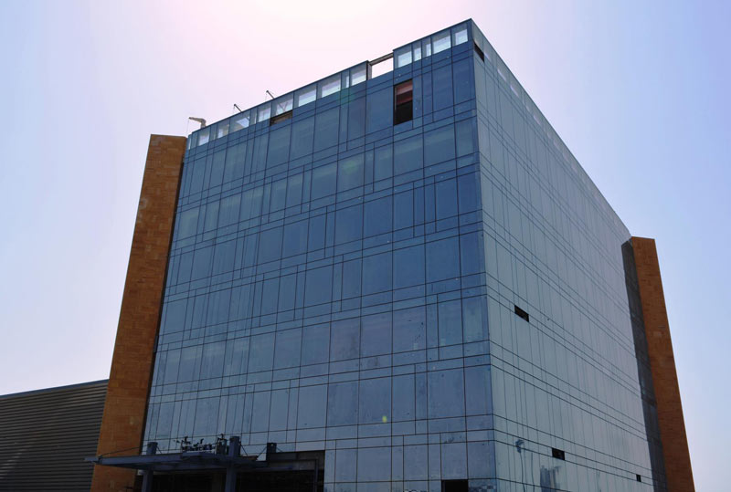 Glass windows and doors - Mitco Office Building Cube Metal Industries